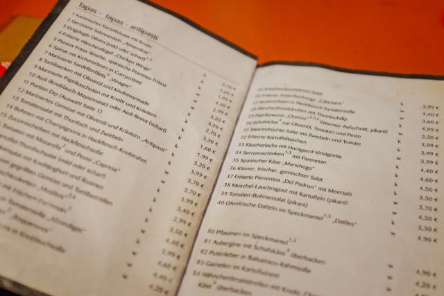 Mehr als 40 Tapas stehen auf der Speisekarte im La Cantina.