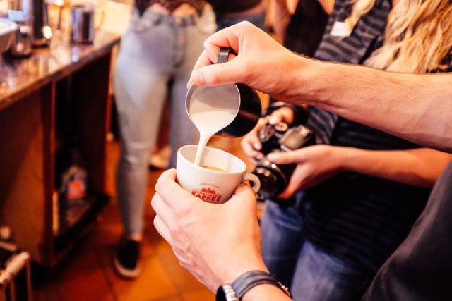 milchschaum-cappuccino